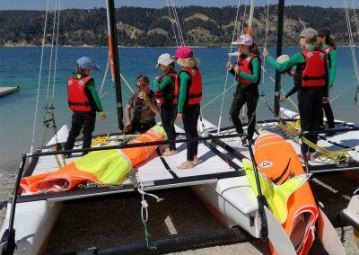 Activites nautique au Lac de Sainte Croix - gréement de Catamaran