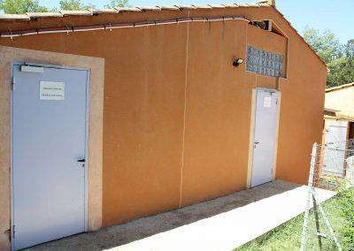base-nautique-les-salles-sur-verdon-equipements-communs-et-sanitaires-1