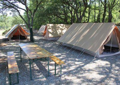 base-nautique-les-salles-sur-verdon-lac-de-sainte-croix-camping-herbergement-1