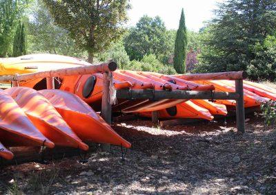 base-nautique-les-salles-sur-verdon-lac-de-sainte-croix-equipements-sportifs-kayak-1