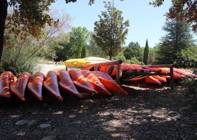 base-nautique-les-salles-sur-verdon-lac-de-sainte-croix-equipements-sportifs-kayak-2